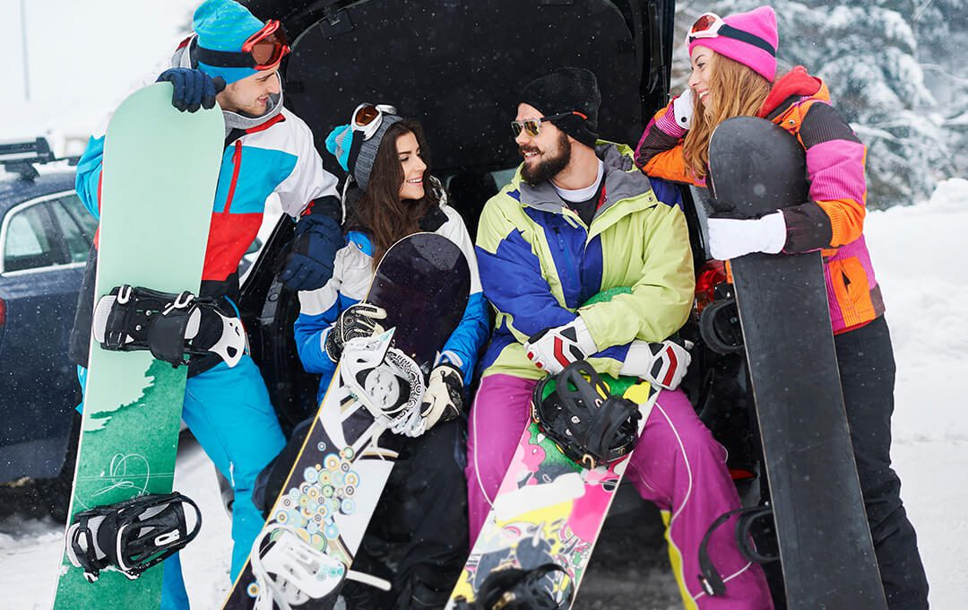 Group of Snowboarding